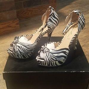 Justfab Janna Heels in Zebra